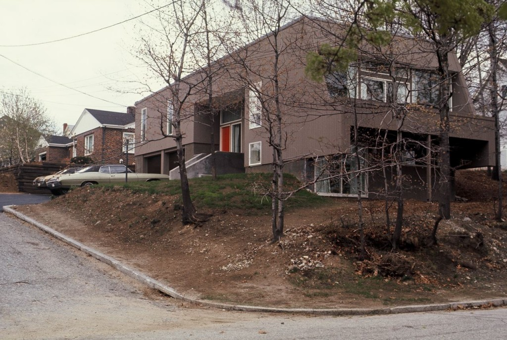 minty 1972, corner view