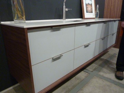 henrybuilt kitchen cabinet