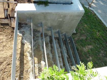 the veggie garden steps are in!