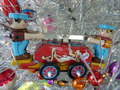 holiday wind-up handcar
