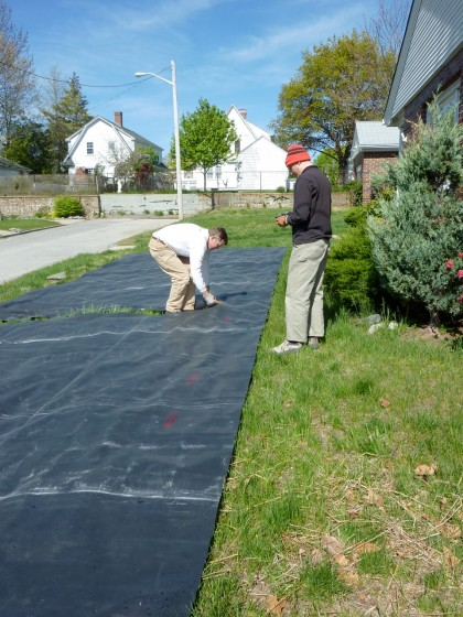 EPDM rubber liner gets trimmed to fit