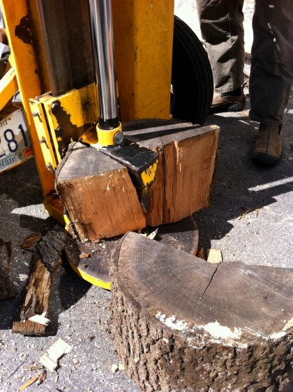 the log splitter splits