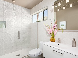 fabulous casita bathroom, from rental site
